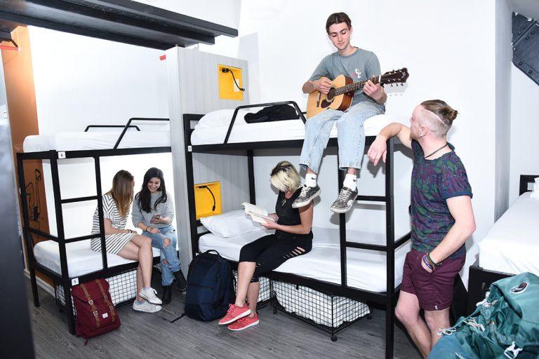 cinema-hostel-crew
